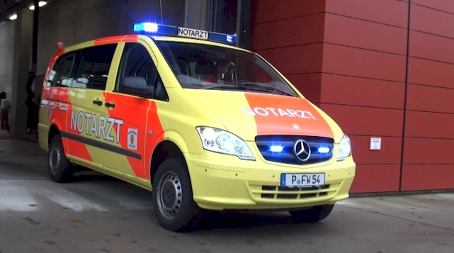 Feuerwehr Potsdam - Notarzteinsatzfahrzeug
